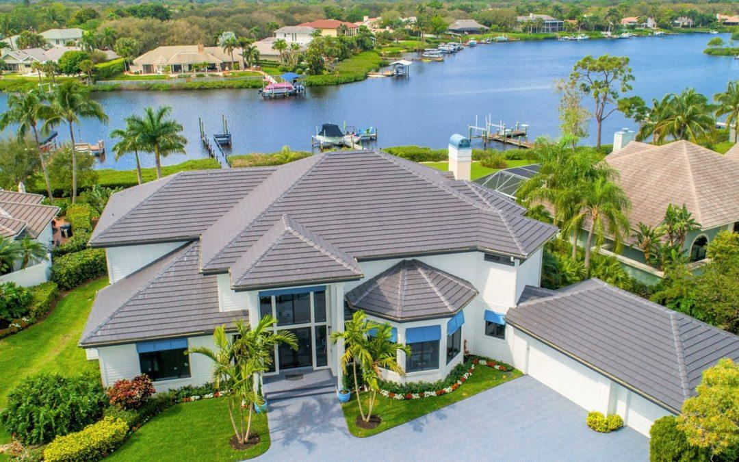 18411 SE Lakeside Dr, Tequesta, FL 33469