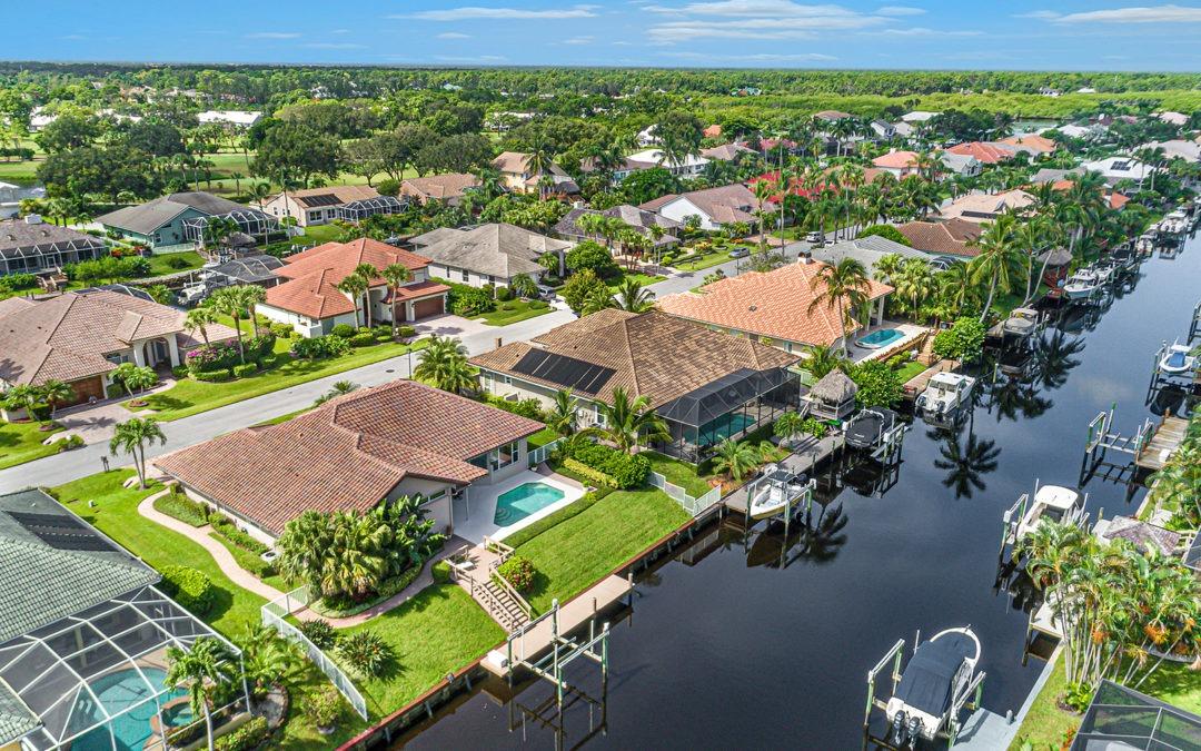 8899 SE Water Oak Place, Tequesta, FL 33469